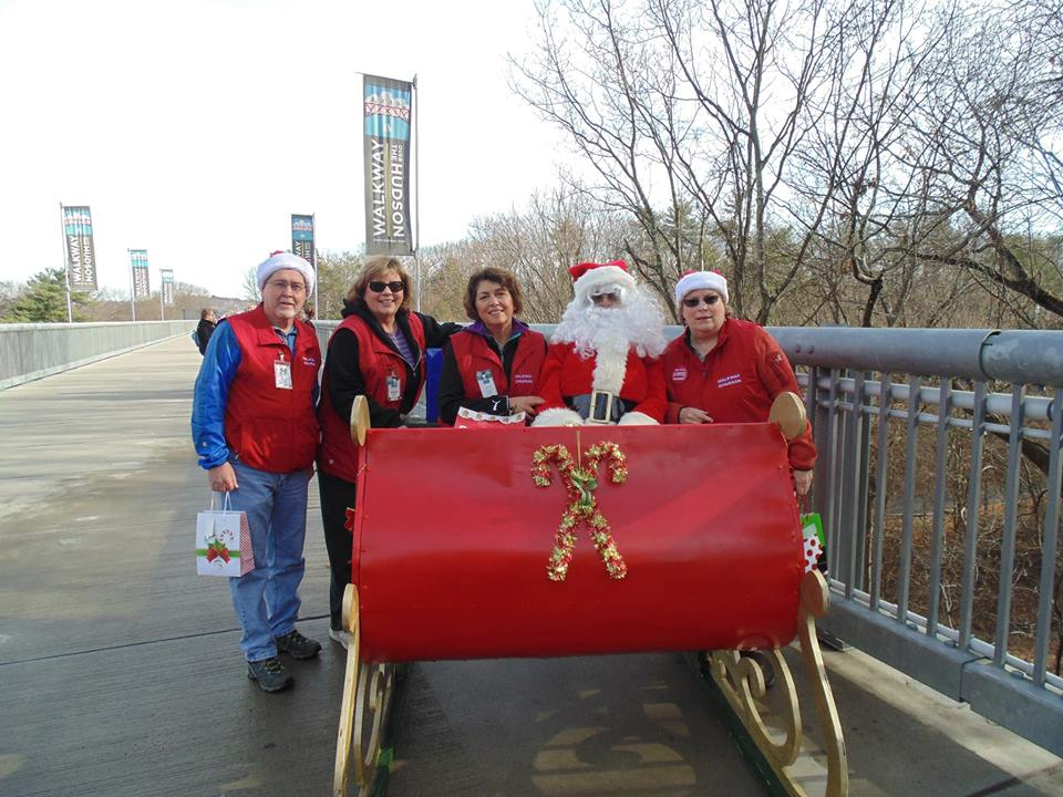 santa-on-the-walkway